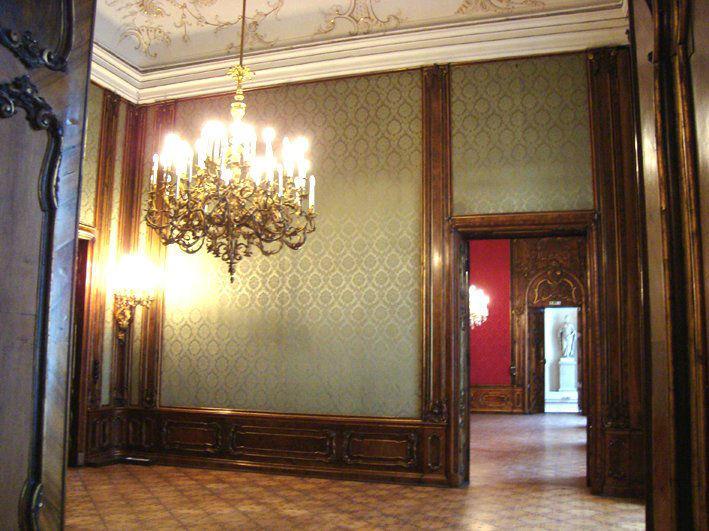 Moya Vienna