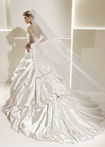Beispiel: Alles was das Brautherz höher schlagen lässt, Foto: Braut-Atelier 09.