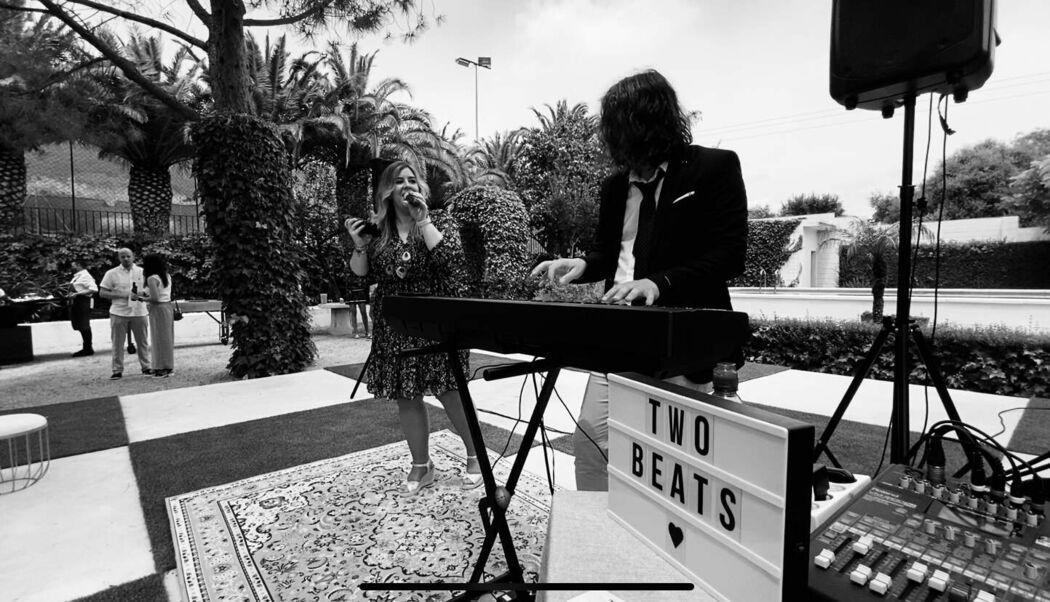Two Beats - Piano&Voz