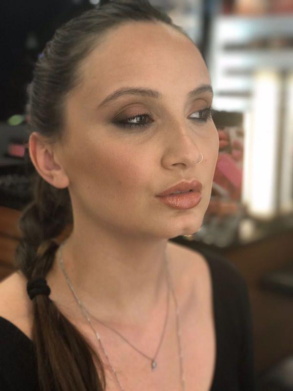 Make Up Spot - Júlia Fernandes