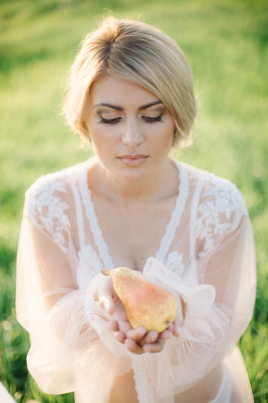 Мария . Коричневая гамма в естественном макияже - классика