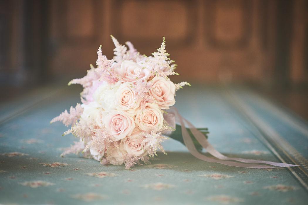 Bouquet de mariée Roses et Astilbes