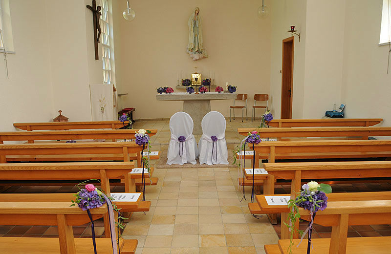 Beispiel: Dekoration der Kirche, Foto: myflower.