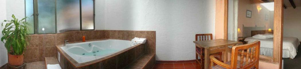 Hotel Meson de los Virreyes