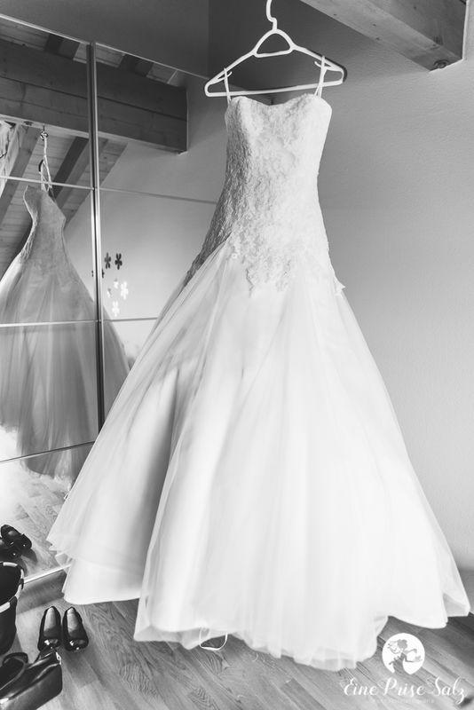 Hochzeitsreportage: Brautkleid