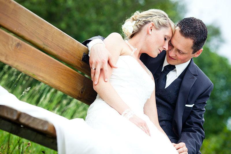 Beispiel: Moderne Hochzeitsreportagen, Foto: Steffen Löffler und Thomas Weber Fotografie.