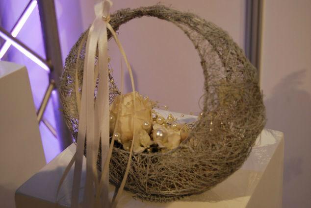 Beispiel: Tasche als Brautstrauß, Foto: manufactura florale.