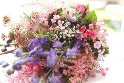 Beispiel: Blumengesteck, Foto: Blumenelfen Griessmaier.