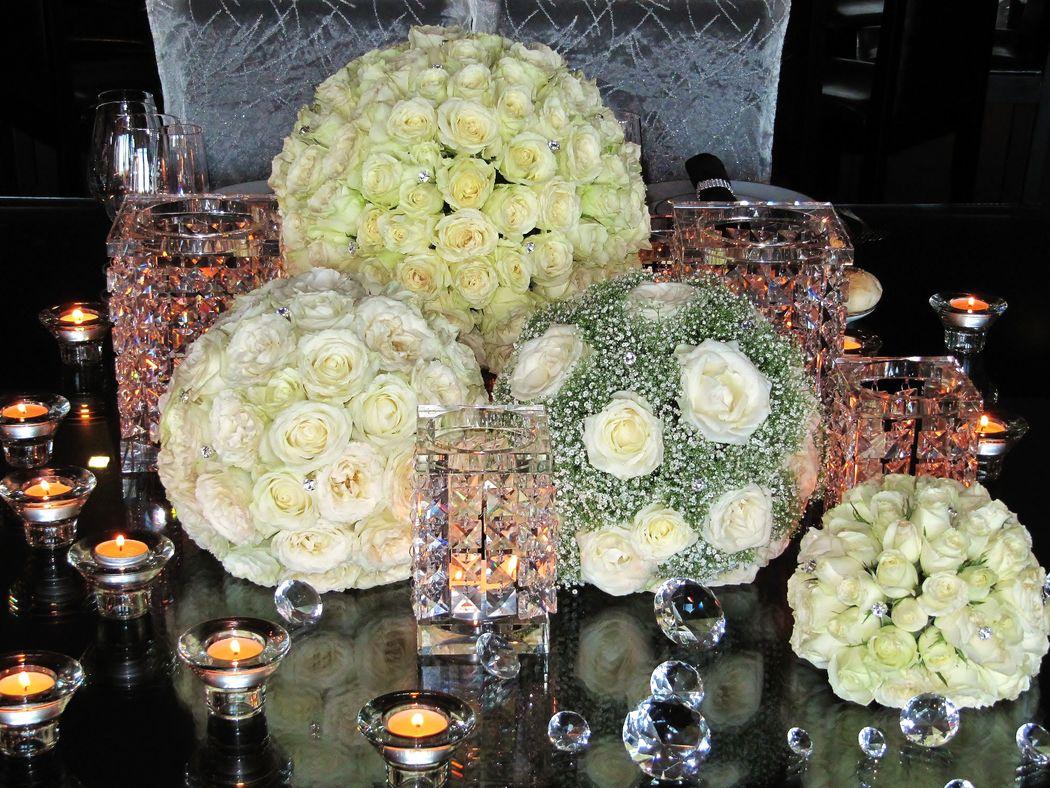 Apenas para os noivos uma mesa excepcional. Romantismo a dois. Decoration and wedding planner project