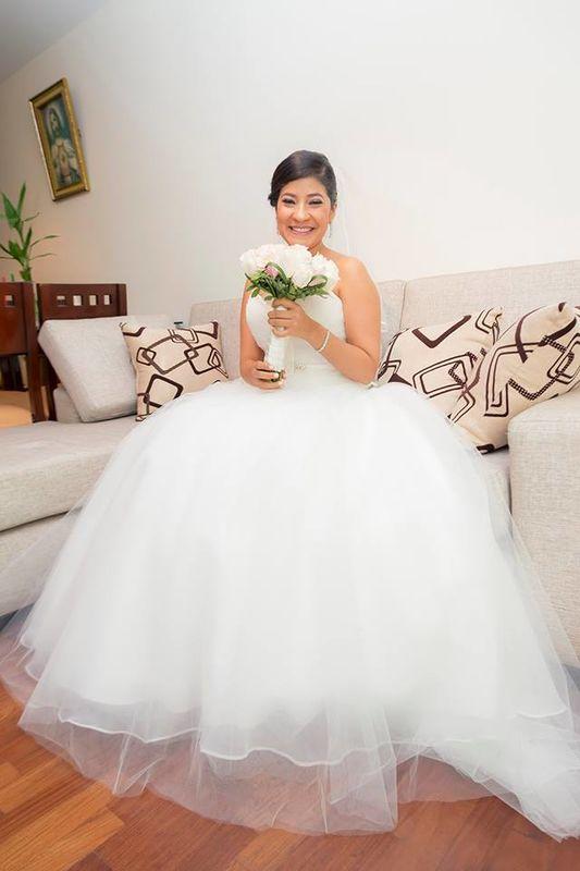Novia Lourdes Peña.