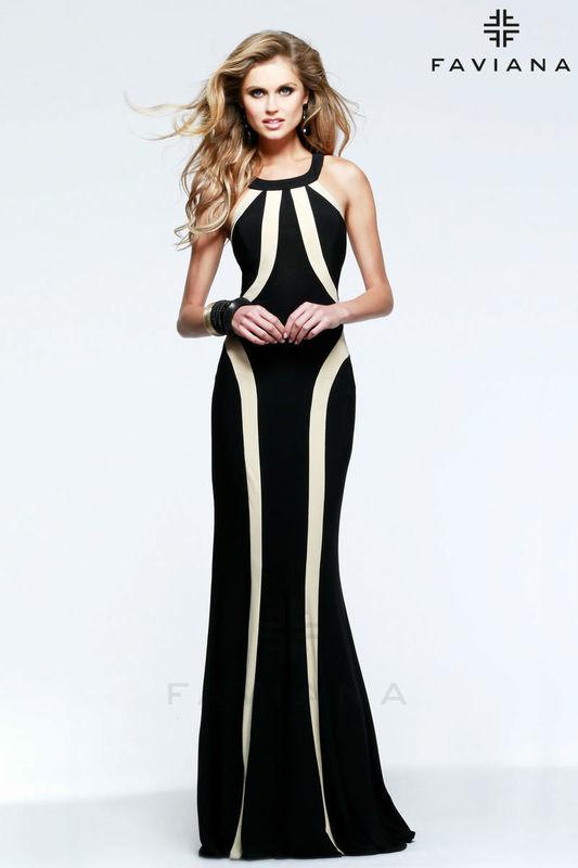 Vestido sierena blanco y negro de Faviana