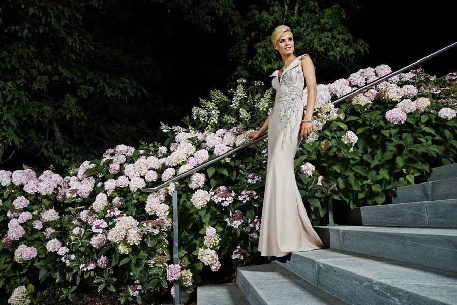 Beispiel: Wunderschöne Abendmode, Foto: Mery's Couture Abendmode.