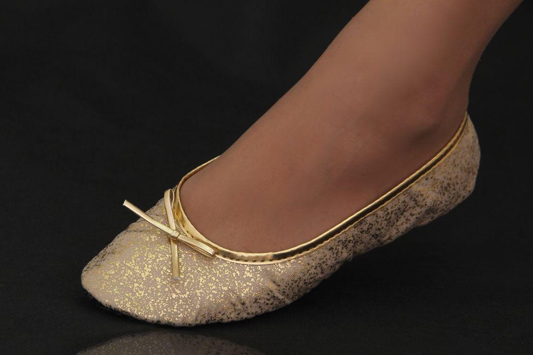 Série Luxo Tecido Nude com Estampa Dourada Metalizada