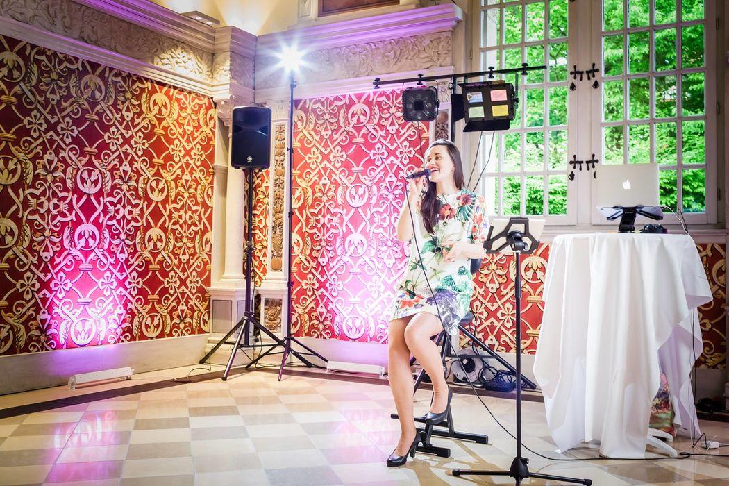 Singing DJane Sabine Seide
