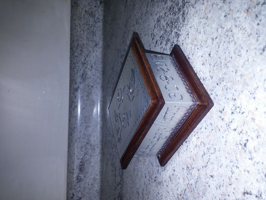 Caja 9x7 cms, palomas con corazones, aluminio