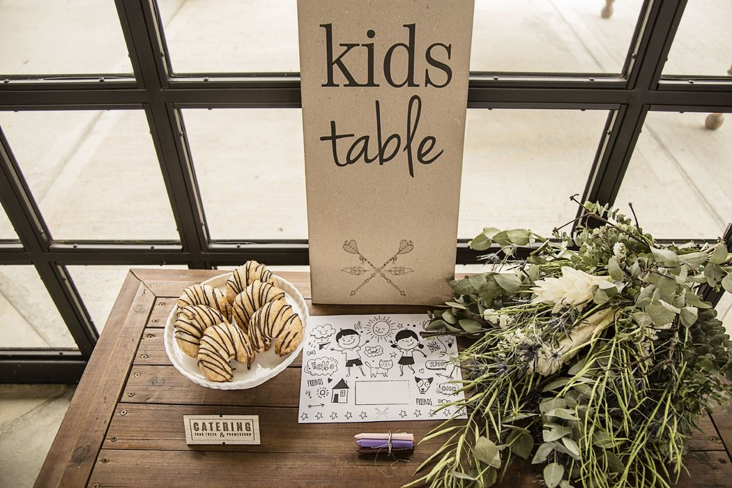 •  KIDS TABLE •