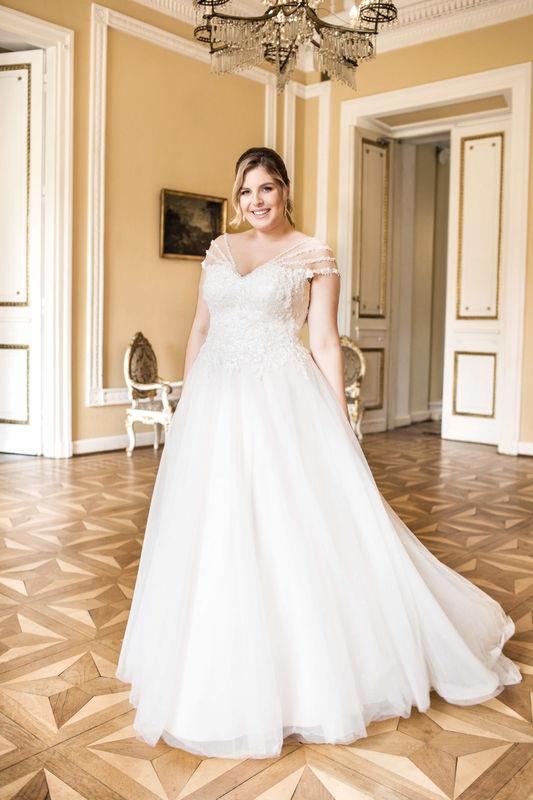 Brautmoden Carousello