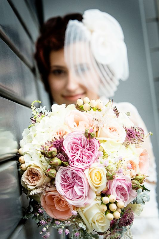 Brautstrauß in Pastelltönen mit englischen Freilandrosen Foto: Fresh Fotostudio Viernheim