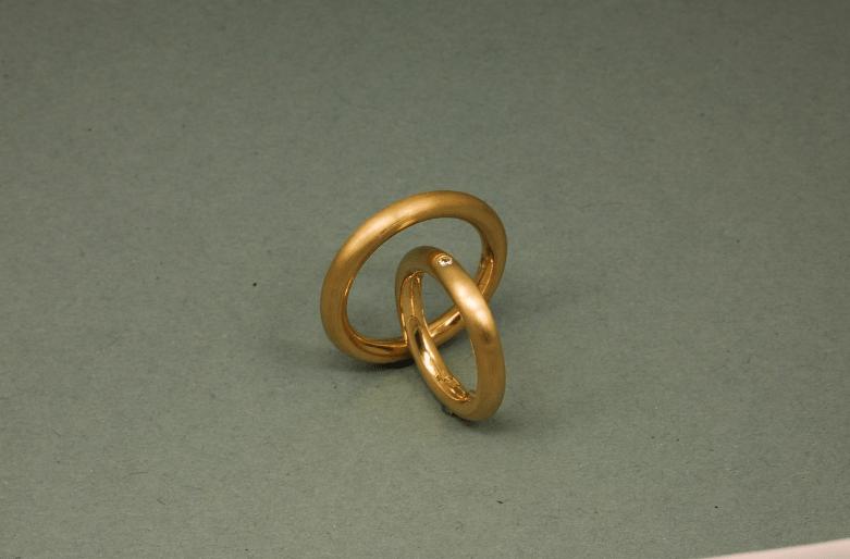 Beispiel: Ringe mit Edelstein, Foto: Das Schmuckwerk.