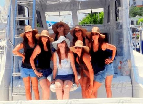Viaje de despedida de soltera, Club4Travelers