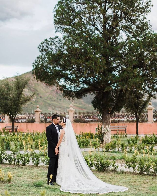 Gabriel Peña Wedding Photographer