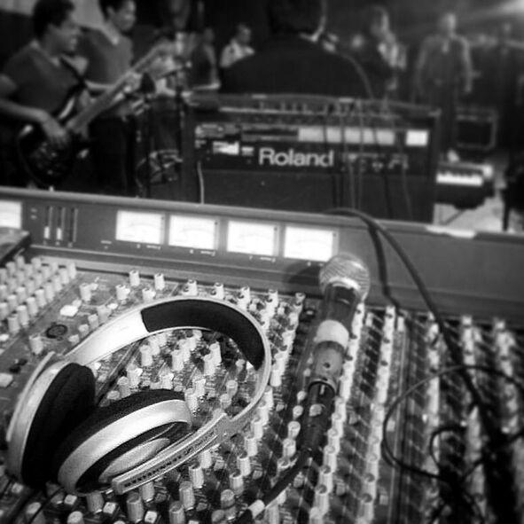 J&M-Luces y Sonidos