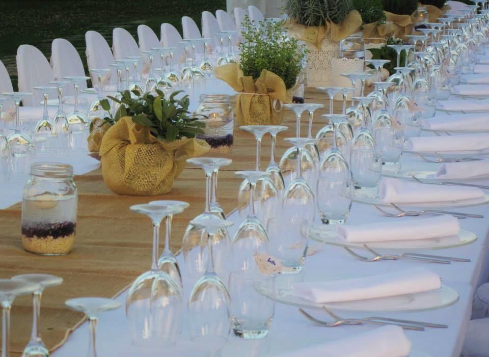 Un romantico matrimonio estivo nel giardino dell'Hotel Certaldo (Toscana)