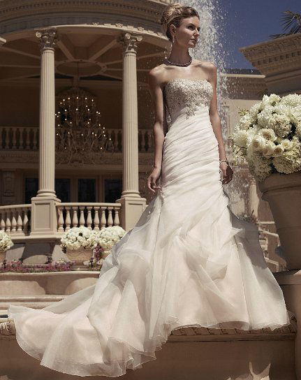 Beispiel: Brautmode für jeden Geschmack, Foto: White Silhouette.