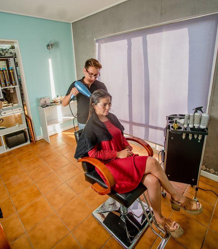 Salón de Belleza & Barbería - Liguva