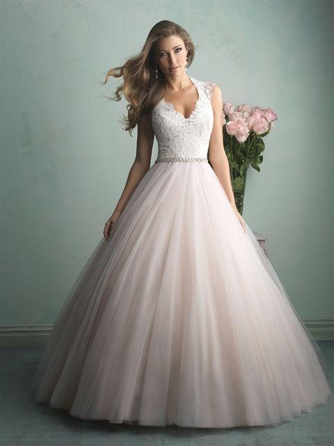 Marca: Allure Bridals. Modelo: 9162.