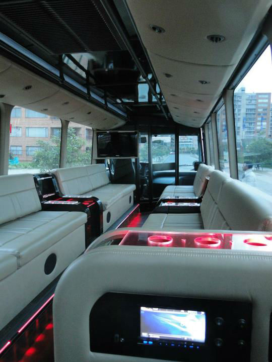 The One-experience  - Bus Limosina