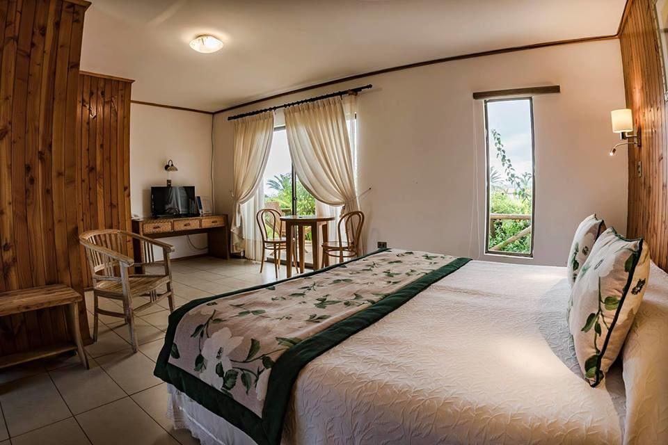 Tahatai hotel