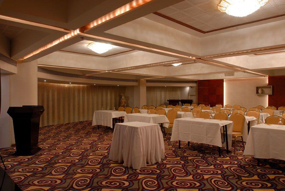 Peninsula Grand Hotel