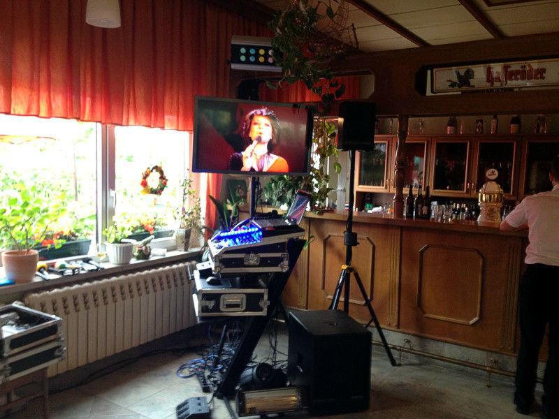 Beispiel: Ton- und Lichttechnik, Foto: DJ Bernd Niemann.