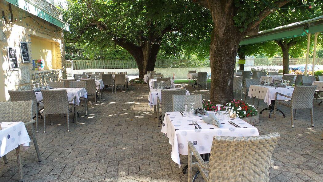 Hôtel-restaurant Le Mas de la Prairie