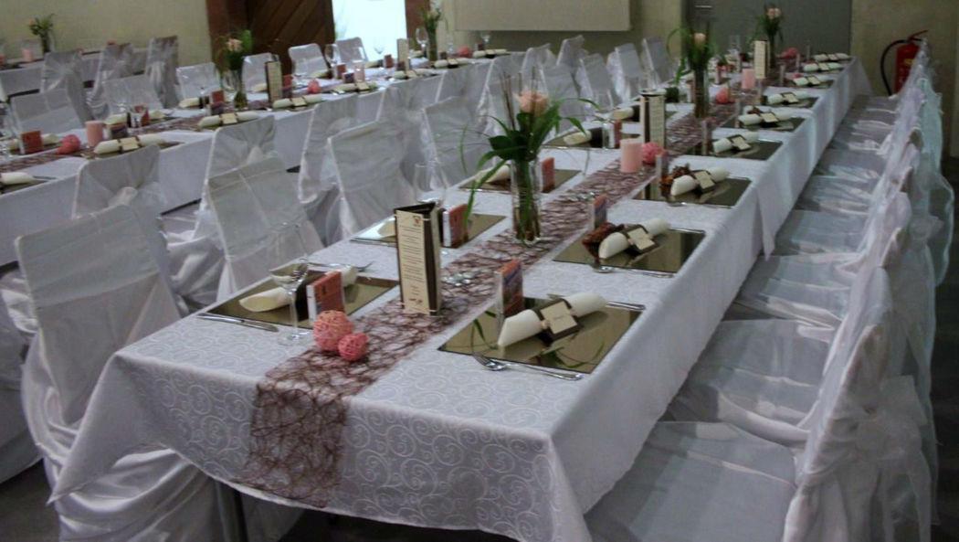 Beispiel: Raum- und Tischdekoration, Foto: Deko Dana.