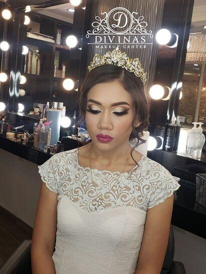 Divinas Makeup Center