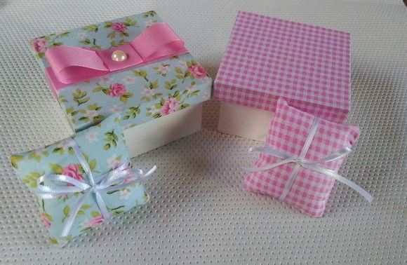 caixa com mini sache