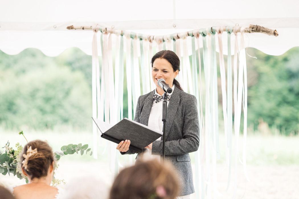 In Worte gezaubert - Trauzeremonien mit Kristina Kutz