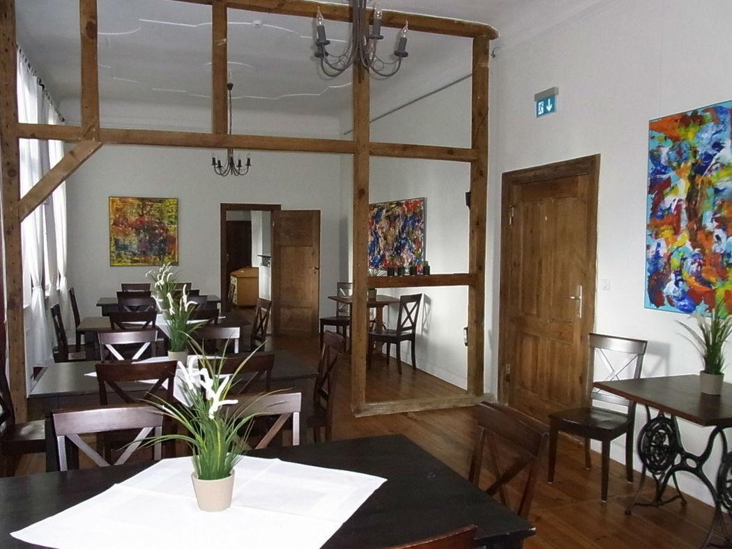 Beispiel: Restaurant, Foto: Lendelhaus - Historische Saftfabrik.