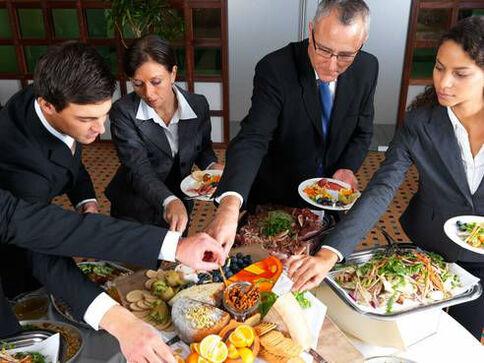 Beispiel: Verlässlicher Cateringservice für Ihre Hochzeitsgäste, Foto: Königskraut Catering.