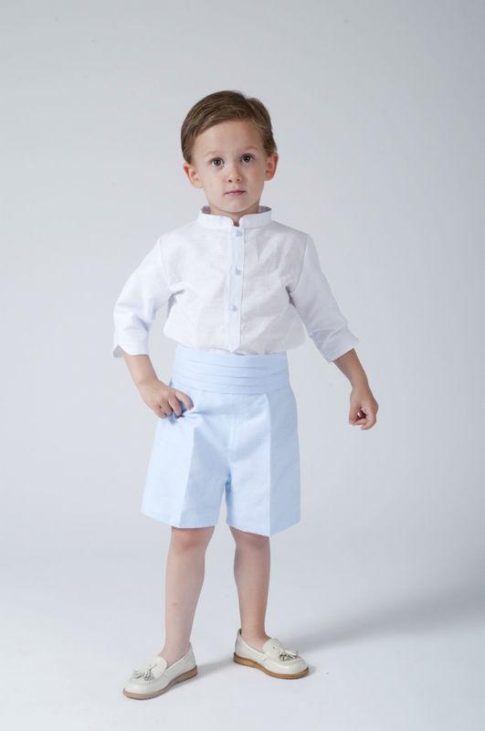 Traje de niño en lino blanco y celeste