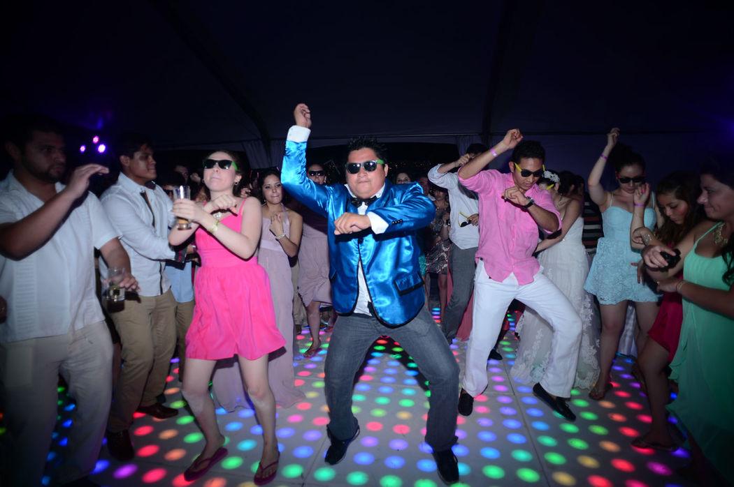 Fiesta Fiesta que sigua la fiesta MC animacion y todo para la fiesta.
