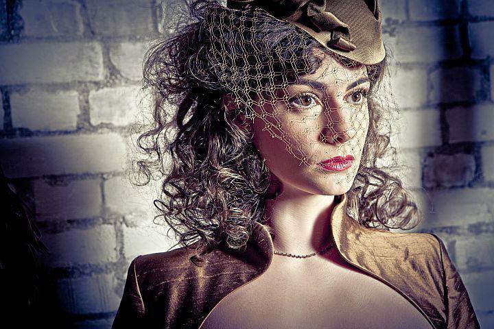 Beispiel: Einzigartige Kleider, Foto: Ella Deck Couture Abendmode.