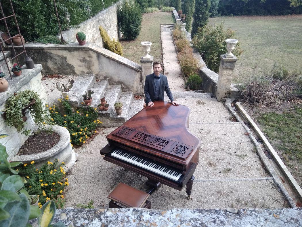 Pianiste Julien Sauget