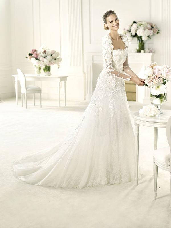 Beispiel: Kleider für die Braut mit Stil, Foto: Petra Pabst.