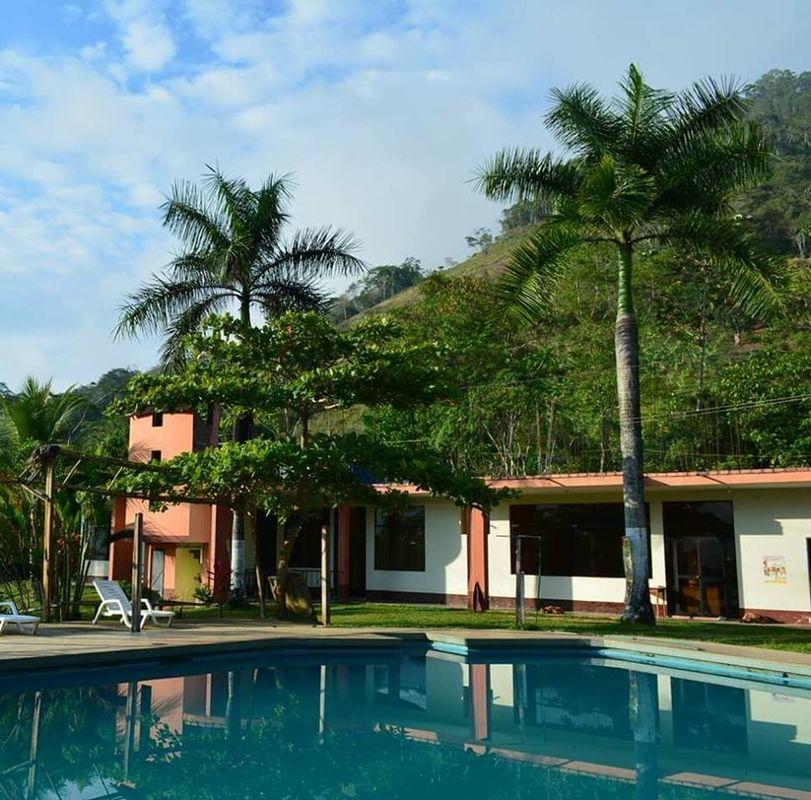 Hotel Paraiso Inn