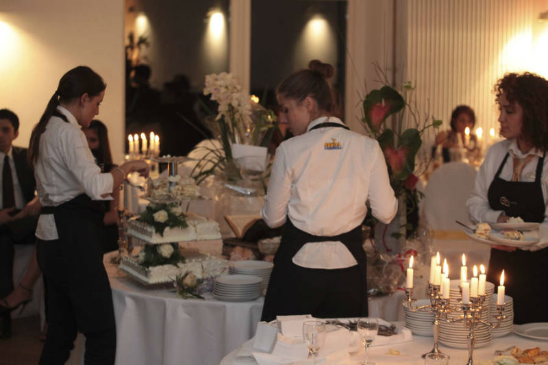 Beispiel: Einzigartige Hochzeitstorten für Ihren großen Tag, Foto: Golden Catering.