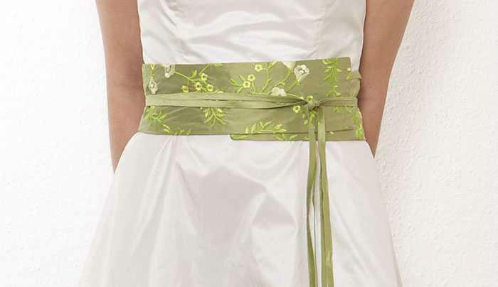 Beispiel: Bestickte Gürtel aus Seide, Foto: JAAP Onlineshop.