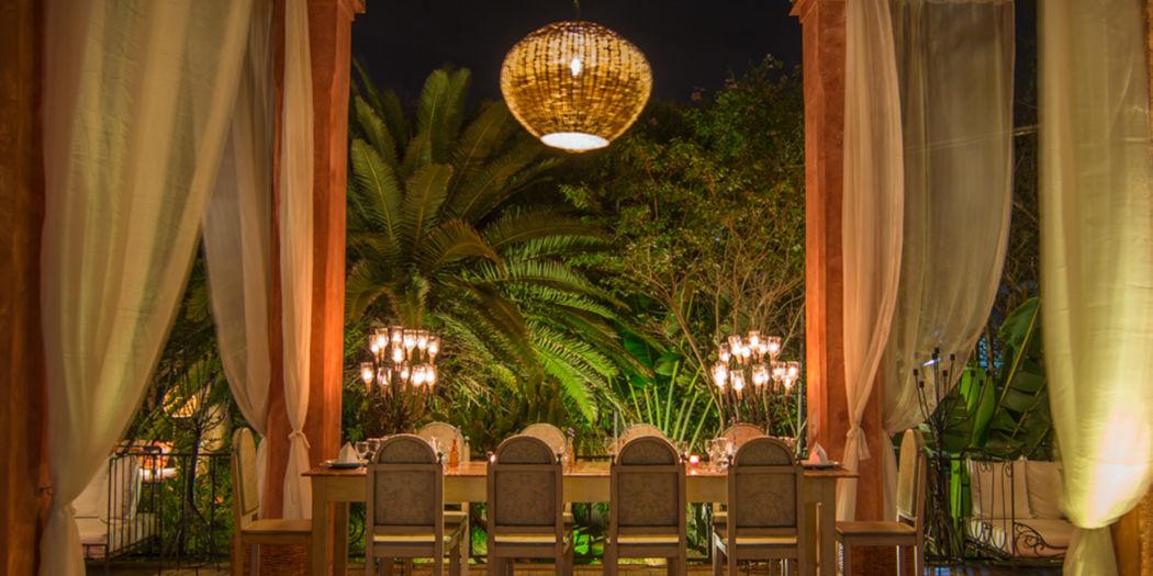 Restaurante frente piscina 1
